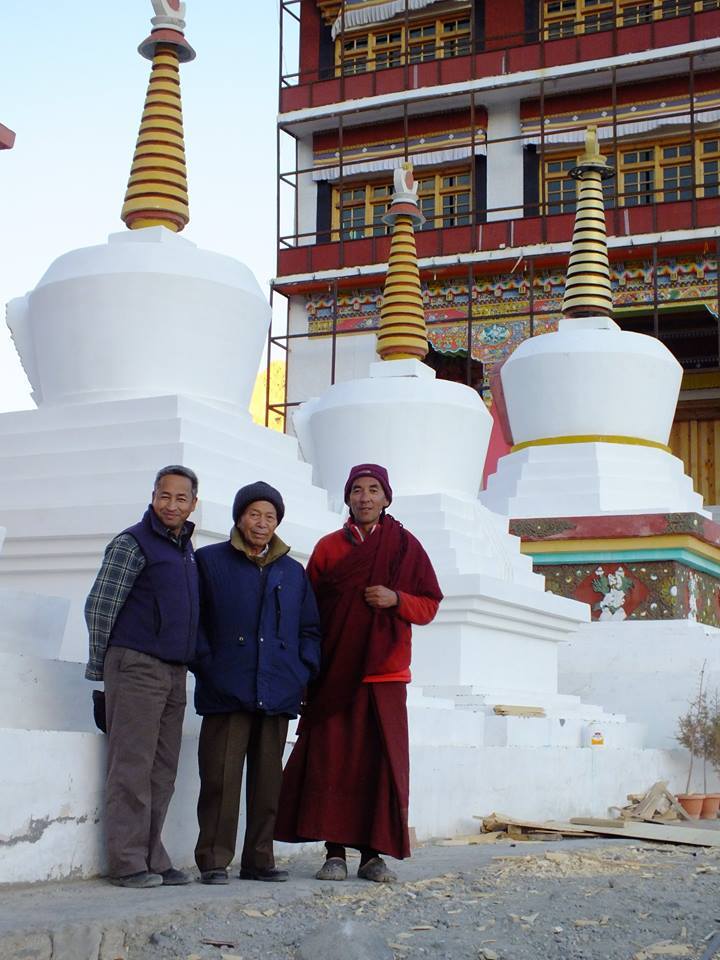 The inspiration: Local sacred mud structures called Stupa or Chorten (Source: The Ice Stupa project)